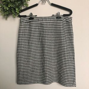Kate Hill houndstooth skirt